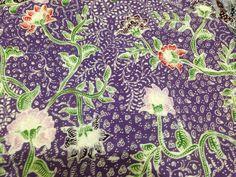 Batik tulis lasem Indonesian Art, Batik Pattern, Traditional Fabric, Cotton Silk, Ethnic, Arts And Crafts, Fabrics, Textiles, Beautiful