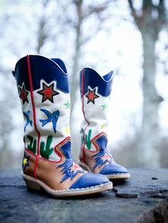 Stella Mc Cartney boots, Charlotte Huguet's place  © Julie Ansiau