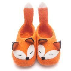 Валяные тапочки Лиса Wool Shoes, Felt Shoes, Nuno Felting, Needle Felting, Preemie Clothes, Baby Co, Baby Sewing Projects, Felted Slippers, Shoe Pattern
