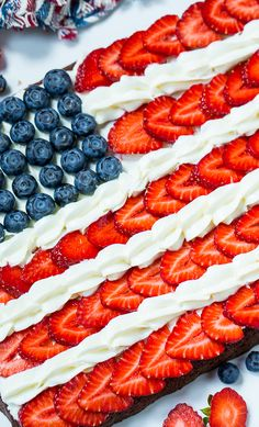 Brownie Flag - Flag Brownies make a patriotic dessert for the 4th of July.