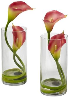 white modern arrangements with calla lily and anthurium lily Tropical Floral Arrangements, Creative Flower Arrangements, Spring Flower Arrangements, Ikebana Flower Arrangement, Beautiful Flower Arrangements, Flower Vases, Calla Lily Centerpieces, Calla Lillies, Calla Lily Colors