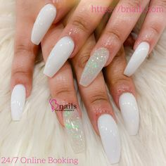 White acrylic nails with one clear glitter White Acrylic Nails With Glitter, Clear Glitter Nails, Acrylic Nails Stiletto, Clear Acrylic Nails, Simple Acrylic Nails, Coffin Nails, Edgy Nails, Shiny Nails, Cute Simple Nails