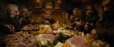 The Hobbit: An Unexpected Journey (2012) Los enanos abusando ligeramente de la hospitalidad de Bilbo Bolsón.