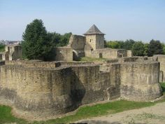 Fortress of Suceava, Romania Romanian Castles, Wonderful Places, Beautiful Places, Travel To Ukraine, Architecture, Barcelona Cathedral, Monument Valley, Places To Visit, Images