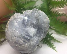 Etsy :: Jouw platform voor het kopen en verkopen van handgemaakte items Adjustable Knot, Amethyst Crystal, Clear Quartz, Wands, Sculpting, Christmas Bulbs, Sparkle, Bronze, Crystals