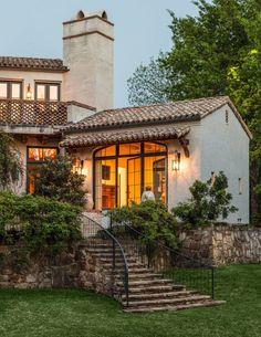 mediterranean-landscape backyard stone steps better decorating bible blog tuscany style distressed red bricks
