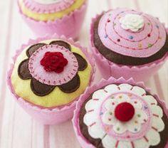 felt cupcakes - great idea for pretend tea parties