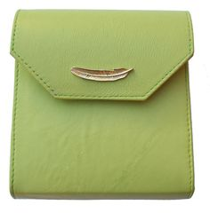 Vanga clutch mint lambskin . italian leather.detail. gold chain. fashion. accessories. shop www.volaga.com