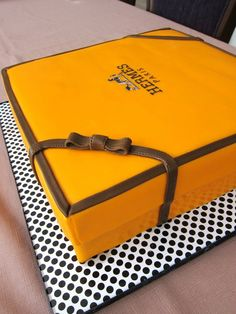 I would love this Hermes cake for my Bday! Especially if it was tiramisu in there :)