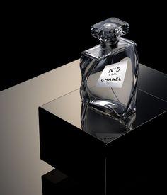 (notitle) - Make up - Perfume Still Life Photography, Photography Tips, Product Photography, Sf Design Week, Rms Titanic, Le Manoosh, Dolce E Gabbana, Perfume Collection, Fragrance