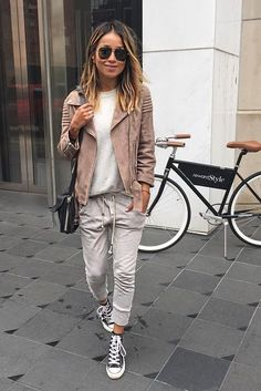 Want Your Sweatpants to Look Chic? Here's How to Buy the Right Kind for Your Body Want Your Sweatpants to Look Chic? Here's How to Buy the Right Kind for Your Body Fashion Mode, Look Fashion, Winter Fashion, Fashion Trends, Sporty Fashion, Fashion Fashion, Luxury Fashion, Mode Outfits, Casual Outfits