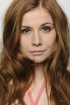 http://coolspotters.com/actresses/josefine-preuss/photos_videos/1516152#medium-2217461