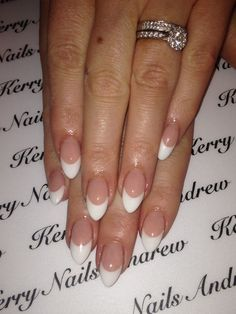 We all want beautiful but trendy nails, right? Here's a look at some beautiful nude nail art. French Nails, Almond Nails French, Ongles Gel French, Almond Nails Pink, French Acrylic Nails, Almond Acrylic Nails, Pink Nails, My Nails, Shellac Nails