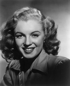 American actress, singer, model and sex symbol Marilyn Monroe. Young Marilyn Monroe, Norma Jean Marilyn Monroe, Marilyn Monroe Photos, Vintage Hollywood, Classic Hollywood, Hollywood Night, Marilyn Monroe Cuadros, Portrait Studio, Norma Jeane