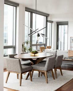 """31 Nice Transitional Dining Room Design Ideas - When you think of """"family dinner"""" what comes to mind? Sixty years ago you would have instantly thought of the average family of four sitting comfortab. Round Wood Dining Table, Gray Dining Chairs, Modern Dining Chairs, Transitional Dining Chairs, Mid Century Dining Chairs, Accent Chairs, Contemporary Dining Room Sets, Muebles Living, Dining Room Design"""