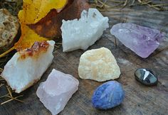 Chakra Stone Set // Boho Mineral Decor // Altar Stone Set // Wicca Crystals // Healing Crystals and Stones // Crystal Healing // Reiki