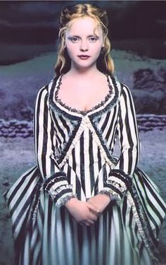 I love this dress that Christina Ricci wears at the end of Sleepy Hollow.