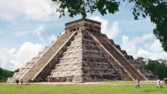 Astronomía Maya: pirámide escalonada de Chichén Itzá