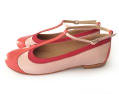 Ona Coral - Flat leather shoes in pink and coral - Handmade t-strap - Free shipping