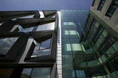 Gedeon Richter Office and Research Center Budapest  in architectuur bij Zoboki-Demeter and Associates Architects