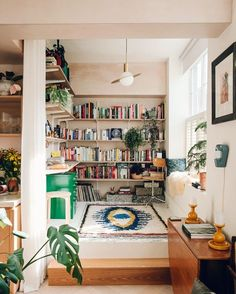 Gorgeous library nook!