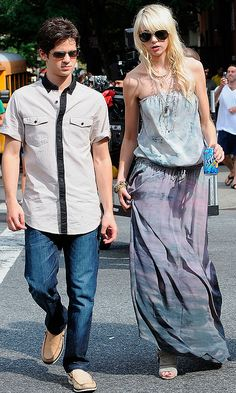 Taylor Momsen As Jenny Humphrey With Eric Van Der Woodsen, Played By Connor Paolo, 2009
