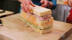 Read These 10 Crazy Sandwich Cakes Will Totally Trick Your Taste Buds today. Be inspired and dig in to the recipes, guides and tips tricks and hacks on Food Network. Sandwhich Cake, Sandwich Loaf, Sandwich Fillings, Sandwich Recipes, Cake Recipes, Chicken Sandwich, Sandwich Cookies, Food Network Uk, Food Network Recipes