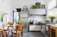 Com jeito e clima de casa, o apartamento de Luciana Pitombo e Felipe Nogueira é uma deliciosa surpresa graças à reforma realizada pelo casal.
