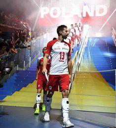 🥇🏐🥇 polska mistrzem świata!!!! 🇵🇱 🇵🇱 🇵🇱 #polska #siatkówka #repeat #weltmeister 🏆 Female Volleyball Players, Women Volleyball, Volleyball Team, Poland, Basketball Court, Youth, Haikyuu, Netflix, Celebs
