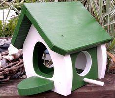Nistkästen & Vogelhäuser - Vogelhaus Futterhaus *Modell Junior* - ein Designerstück von wolle1197 bei DaWanda