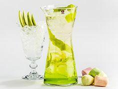 Vihreä Omena kannu booli juomat kuohuviini dekuyper likööri