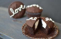 Los Ding Dong cupcakeS o pastelitos pingüinos –como se llaman en México–, se vendieron por primera vez en 1967 en los Estados Unidos.