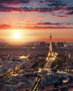 Fin d'après midi à paris france в 2019 г. franța, călătorii и fundalur Paris Hotels, Hotel Paris, Paris City, Paris Paris, Beautiful Paris, Beautiful Sunset, Paris France, France City, Places To Travel