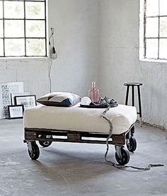 Pallet lounge chair or daybed / Palle loungestol eller daybed