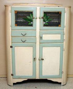 LEADLIGHT KITCHEN Dresser(Ebay)