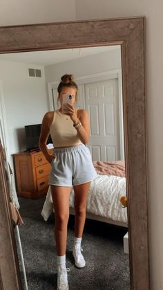 Lazy Day Outfits, Cute Comfy Outfits, Basic Outfits, College Outfits, Retro Outfits, Simple Outfits, Everyday Outfits, New Outfits, Trendy Outfits