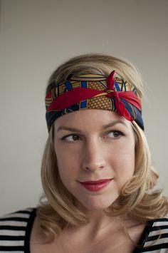 The easiest headscarf headband - Hair Romance How To Wear Headbands, How To Wear Scarves, Helmet Hair, Boots And Leggings, Hair Romance, Scarf Tutorial, Ankle Boots Men, Head Wrap Scarf, Hair Blog