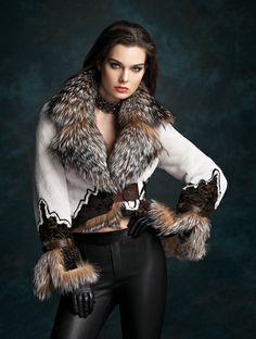 30 Fur Fashion To Rock This Winter - Women Fashion Trends Fur Fashion, Look Fashion, Winter Fashion, Fashion Outfits, Womens Fashion, Fashion Trends, Trending Fashion, Fashion Beauty, Winter Stil