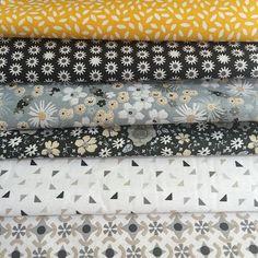 Jaune et gris, comme le ciel aujourd'hui !  #tissuimprimé #couture #sewing #jauneetgris #yellowandgrey #theskyisinspiring #lecielnousinspire