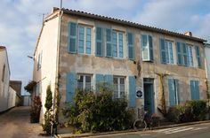 L'Hippocampe, simple but charming hotel in La Flotte, Ile de Re. Have a family room at 137 euros in high season!