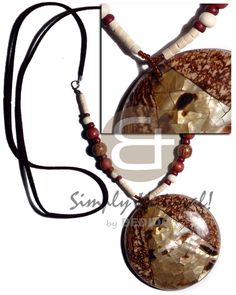 Leather Thong Bleach Coco Heishe Wood Beads Combination And Round Laminated Coco Brownlip Cracking / Wood Necklace Handmade Crafts, Handmade Jewelry, Fashion Accessories, Fashion Jewelry, Teen Jewelry, Summer Fashion For Teens, Wood Necklace, Shell Necklaces, Hippie Style