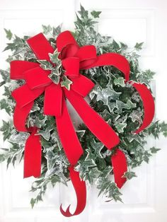 Christmas Wreath, Holiday Wreath, Traditional Wreath, Winter Wreath by HeatherKnollDesigns on Etsy