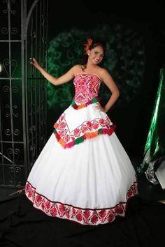 Vestidos de novia bordados en punto de cruz