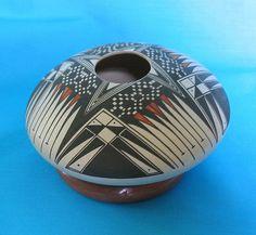 Mata Ortiz seed pot