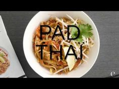 Pad Thai Comforting Pad Thai made simple with one convenient spice blend. Customize just the way you like it and add a little heat with a drizzle of our Srir. Epicure Recipes, Wine Recipes, Cooking Recipes, Epicure Steamer, Thai Seasoning, Steamer Recipes, Smoothie Drinks, Smoothies, Good Food