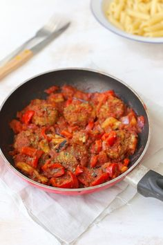 Griekse kofta - Flaironline - Voor jou, over jou - WordPress Website Dutch Recipes, Turkish Recipes, Greek Recipes, A Food, Good Food, Food And Drink, How To Cook Rice, Daily Meals, No Cook Meals