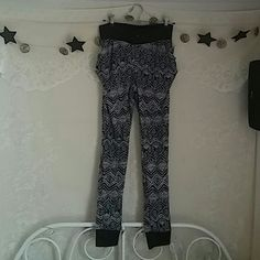 Nwt Aztec joggers Black And White pattern Baggy fit on the pockets. Fitted on the leg and ankles Size medium Suggest a small Pants Track Pants & Joggers