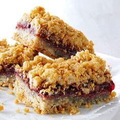 Warren's Oatmeal Jam Squares Recipe- Recipes At I still love to bake. I make these bars in my toaster oven for my fellow residents at our assisted living home. Warren S. Cookie Desserts, Cookie Bars, Just Desserts, Cookie Recipes, Bar Cookies, Yummy Treats, Sweet Treats, Yummy Food, Potluck Recipes