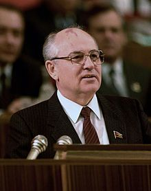 March 13, 1990 – The Supreme Soviet of the Soviet Union approves changes to the Constitution of the Soviet Union to create a strong U.S.-style presidency. Mikhail Gorbachev is elected to a five-year term as the first-ever President of the Soviet Union on March 15.