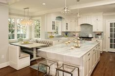 House of Turquoise: Virginia Kitchens + Harry Braswell Inc. gorgeous kitchen, click on link for more pics